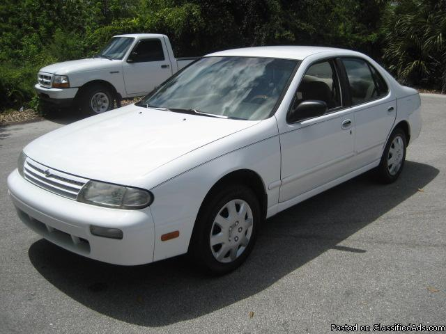 1997 Nissan Altima GXE, 4 cyl. auto. Cold A/C, Low Miles, Runs Great