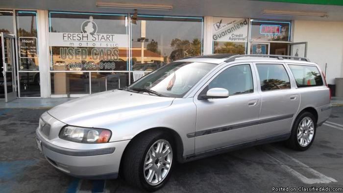 2004 VOLVO V70 25T**FRESH START MOTORS HOME OF THE GUARANTEED CREDIT APPROVAL IN ESCONDIDO** - Price: 5998