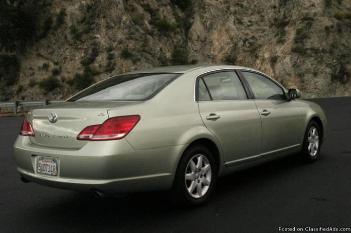 2006 Toyota Avalon XLNT (Beautiful green color) condition! - Price: $12,500