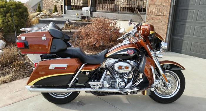 2008 HARLEY DAVIDSON ULTRA CLASSIC SCREAMING EAGLE CVO ANNIVERSARY ED. FLHTCUSE3