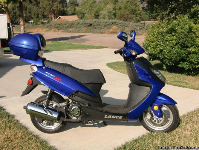 2008 Lance Scooter 150cc - Only 350 miles- Great Gas Mileage 65 to 80 mpg!! - Price: $975