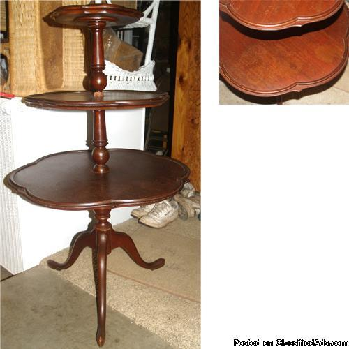 Charmant Antique 3 Tier Pedestal Mahogany Table Late 1800u0027s   Early 1900u0027s Butler  Pastry Turn Table