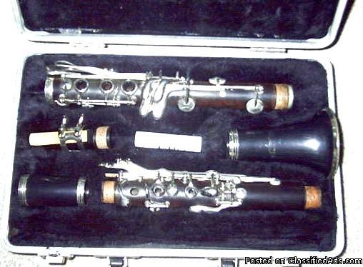 Clarinet, wooden Selmer, USA w/case