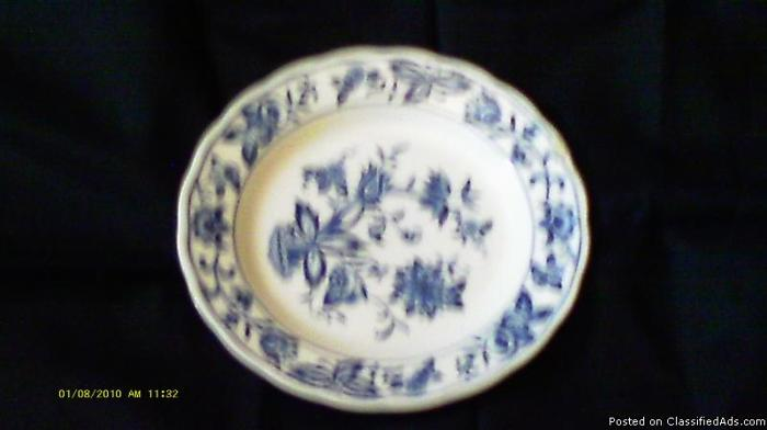 collectable dishes - Price: $20