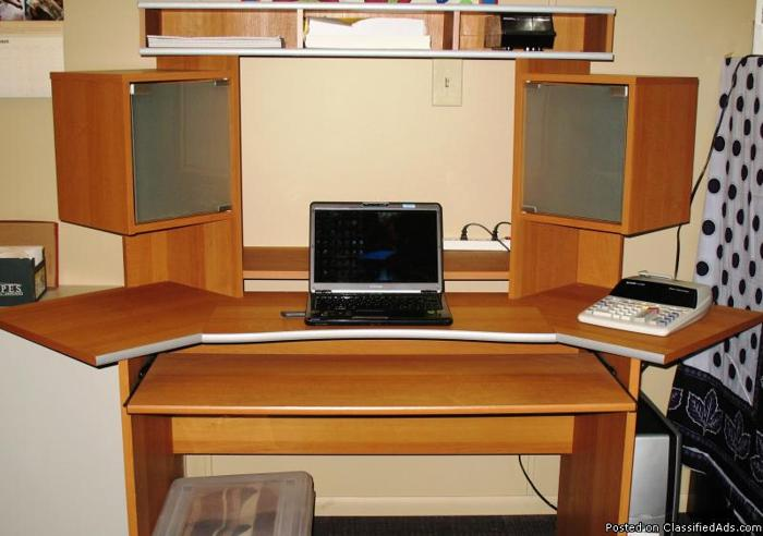 Corner Office Desk With Hutch