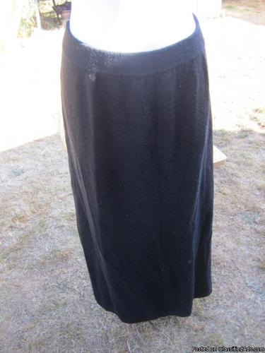 Designs and Co charcoal gray skirt, size 22/24 - Price: 15