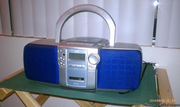 JVC BOOM BOX, MP3 PLAYER & MP3 COMPATABLE DISK MAN