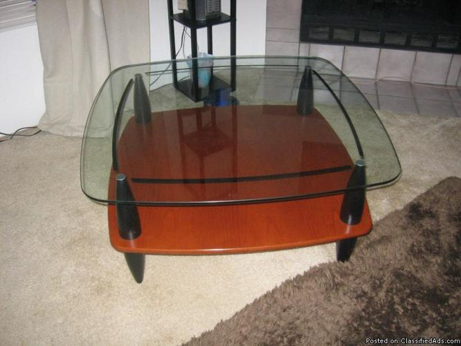 Large Coffee Table - Price: 38.00