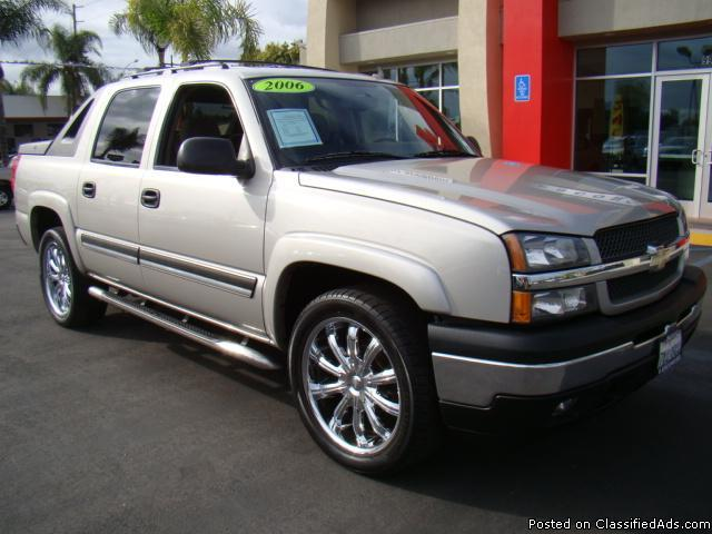 Loaded 2006 Chevy Avalanche with Premium Chrome Wheels! - Price: call