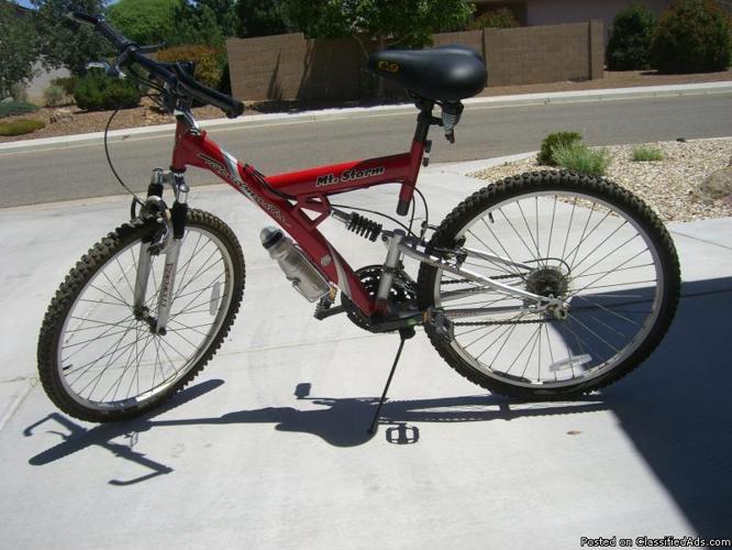 Mt Storm Roadmaster Girls Bike Price 50 00 For Sale In Prescott