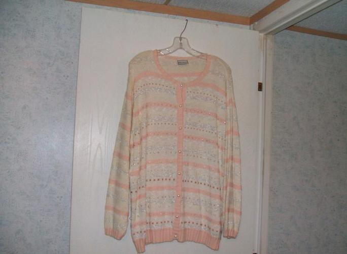NEW SWEATER SIZE 3X
