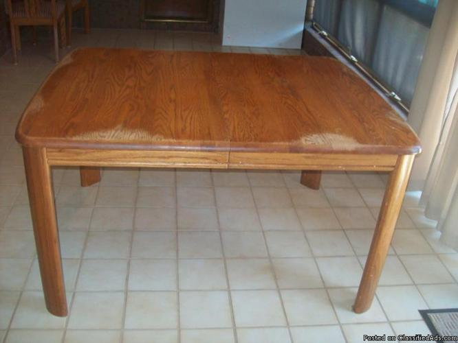 Oak Dining Table + 6 chairs+ 2 leaves - $300 (Bartlesville) - Price: $300