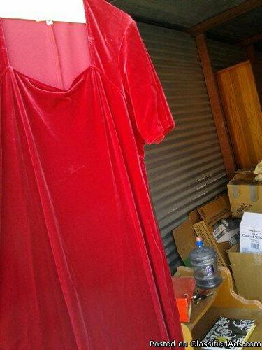 Red Velvet long dress with short sleeves