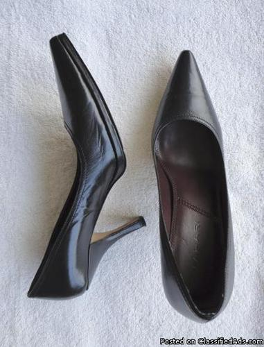 Tahari womens black leather pumps with heels