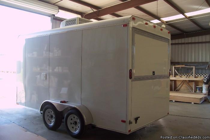 White 7per14 loaded concession enclosed trailer > 541 :id