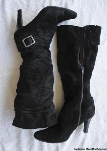 White Mountain womens boots black suede