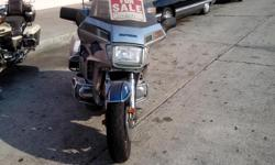 I HAVAE A 1985 HONDA GOLDWING1200cc FOR SALE, THE BIKE RUN VERY GOOD. I HAVE ROAD THIS BIKE TO, SAN DIEGO AND BACK, LOS ANGELES, AND. I ALSO ROAD THE BIKE TO BAKERSFILED AND BACK. THIS BIKE NEED A LITTLE LOVE AND CARE COSMETICLY WAS ASKING $2200