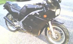 TRADE FOR DIRT BIKE RUNNING OR NOT.. 1988 YAMAHA FZ 600. sport bike, superbike, crotch rocket. salvageky title. only thing missing is the air box,key and battery. this is a really nice looking bike and in great condition.