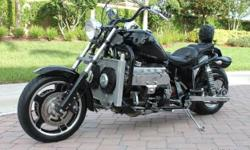 This is a rare opportunity to own a a 1992 Boss Hoss motorcycle with ONLY 2800 original miles. Boss Hoss bikes are known not only for their power and size, but for their low vibration, especially when compared to that of V-twin or single-cylinder