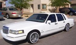 95' Lincoln Towncar executive series, runs good & looks good inside and out, a/c, power everything, passed emissions.