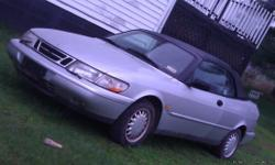 1995 Saab 900 se, Convertable ,Automatic trans, ,Non turbo , ,leather,am/fm ,ps,pd,pl,pw silver in color. COLLECTORS ITEM., GOOD CONDITION.