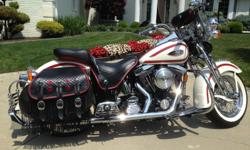 CUSTOM' DUAL 'FISH-TAIL' EXHAUST--FRONT & REAR PASSENGER FOOTBOARD KIT W/NOSTALGIC INSERTS & CONCHO COVERS--FRONT AXLE 'TEAR-DROP' COVERS-- PIECE LOWER SADDLEBAG SHAPER KIT---'KING SIZE' CLEAR WINDSHIELD W/LEATHER BAG---CHROME REAR BUMPER FIN KIT (AKA
