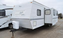Price: $2000 -- Great condition, everything works -- 2000 Jayco Eagle Travel Trailer Camper RV -- Contact me for more photos and vehicle location.