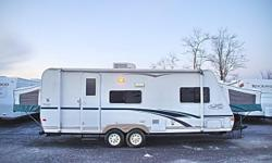 Price: $4000 -- Great condition, everything works -- 2003 R-VISION Trail-Lite B23SB TRAVEL TRAILER -- Contact me for more photos and vehicle location.