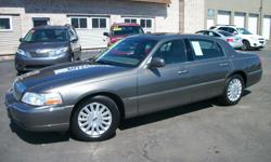 Master Motors of Buffalo 6575 S. Transit Rd. Lockport, NY 14094 (716) 204-0111 2004 Lincoln Town Car Ultimate is a LOADED luxury sedan that you will definitely want to see in person. With plenty of options, this Lincoln Town Car delivers the comfort