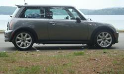 2005 MINI Cooper S $$ Thousands BELOW Book Value $$ Gray Body / Black Roof & Bonnet Stripes Call Kevin @ 603-785-7674 1.6L Supercharged Engine, 200 hp 6-Speed Getrag Manual Transmission The car is in great condition: very tight, no dents, scratches,