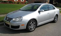 Jetta 2.5L with Only 86K Miles this is a New body Jetta. This is a 6 Speed, transmission automatic which gets good gas mileage. This Runs and Drives. Engine and Trans are perfect. Tires are nice. 6 disk indash CD / SIRIUS XM / AUX / USB, Sunroof Roof,