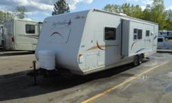 Price: $4500 -- Great condition, everything works -- 2006 Jayco Jay Feather 29Y Single Slide Travel Trailer -- Contact me through contact seller button for more photos and vehicle location.