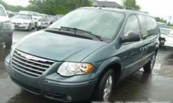 2007 Chrysler Town & Country LWB 4dr Wgn Limited. RUNS AND DRIVES. REAR END DAMAGE. Vincode:2A4GP64L07R307860 Mileage:125,663Miles Year:2007 Engine size:3.8l Fuel:Gasoline Exterior Color:Green  Body Style:Van/Minivan CONTACT: 5037033685