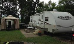 Keystone is one of the most innovative and known for quality RV's. That being said this wonderfully kept 2007 Outback Sidney 31RQS is an artfully crafted travel trailer made just right for you! This bunkhouse boasts a ton of space with 31' in length,