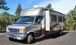 This is a 2007 Lexington GTS 300 SS B+ by Forest River. It is in excellent condition. It is 32' long and has the desired full body gel coat paint. It has 20,100 miles and new tires. It also has a new windshield, new carriage batteries (2), new color back