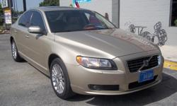 2007 VOLVO S80 3.2L ENGING , GOLD WITH TAN LEATHER INTERIOR, SUNROOF, VERY CLEAN SEDAN! PLEASE CALL FOR APPOINTMENT!