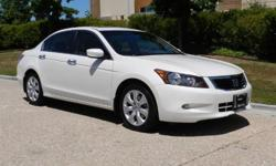 * 3.5Liter 6 Cylinder Engine  *  5-Speed Automatic Transmission  *  Premium Sound With Mp3 CD Changer and Aux Input  *