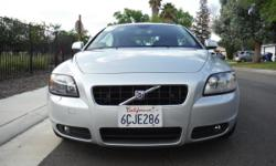 2008 VOLVO C70 HARDTOP CONVERTIBLE TURBO WITH ONLY 104K MILES.SILVER ON BLACK, LEATHER, HEATED SEATS, KEYLESS GO,NAVIGATION WITH REMOTE CONTROL. CLEAN AND DRIVES GREAT!!!