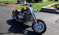 2009 BOSS HOSS WITH A 470 C.I. ALL ALUMINUM V8 DONOVAN RACE MOTOR, 530 HORSEPOWER, LED LIGHTS THROUGHOUT ENTIRE BIKE, AIR RIDE SUSPENSION, HANDLEBAR SPEAKERS WITH PLUG IN FOR MUSIC FROM A IPOD OR PHONE, HID HEADLIGHT, 300 REAR TIRE, CUSTOM