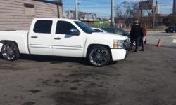 2009 CHEVROLET SILVERADO 1500 VIN-3GCEC23J09G263112 ENGINE-4.8 V8 295HP MILEAGE-59000 White silverado clean all around a/c heat Tinted Windows 24's on great tires CALL 678-549-1104 ASK FOR MR HARRIS