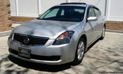 FLORIDA CAR!!! THIS CAR IS ABSOLUTELY IN MINT CONDITION. IT STILL HAS WARRANTY THROUGH NISSAN UNTIL JULY. IT HAS ALWAYS BEEN SERVICED AT NISSAN. THIS CAR HAS NOT SEEN POTHOLES AND ALWAYS WAS IN THE WARM FLORIDA WEATHER. SHE LIVED IN A CONDO BUILDING