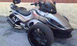 """One of a kind one owner hardly used spotless machine!! Brand New 18"""" wheels and tires all the way around with aftermarket belt driven sprocket to match. Air ride rear suspension installed by the dealer allows you to adjust your ride height at the"""