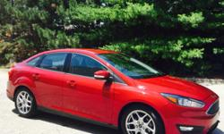 2015 Ford Focus SE  25k Miles Automatic six speed transmission 2.0. Four cylinder engine Does awesome on gas! Average 42 mpg Flex fuel   Front wheel drive traction control Advance trac ABS 4 Wheel  Alloy rims Power steering Keyless