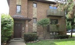 For sale is a 3 unit condo building in Clarendon Hills, at 453 Burlington Ave. These units have been used as rentals over the past 5 years by the individual owners, each of which are now looking to sell! These are EASY rentals.This is truly a unique