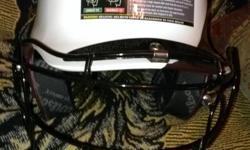 Batting helmet with face mask Brand new. Wilson contour élite Sm. 6 1/2-7 1/8
