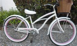 """Nice excellent condition Womens Micagri Beach Crusier. 26"""" bought for my wife but she is too short. Need to get her a smaller one."""