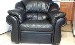 The furniture set was bought from Kaiserslautern Germany. The set is a black Italian leather 3 piece set (sofa, loveseat, and chair) that was bought from Lederland furniture store. The set is in excellent condition and with no holes and it will be sold by
