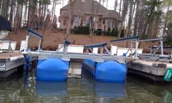 Hydrohoist 6600 Boat Lift. Custom padded guides installed 2015 (not shown in pics). Lift in great condition, setup for a V-hull Location Badin Lake. Transport List avaiable. Sold our lake home and boat, lift is not needed.