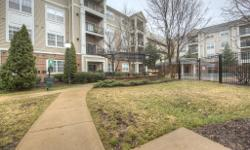 12953 Centre Park Circle, Herndon, VA 20171 Unit 122 - Exclusively Listed by VA, MD & DC Top Real Estate Agent Nate Johnson - 12:45 Team 571-494-1245  Just Listed!  You have to see this home in person. Bryson, 1bed/ 1bath,