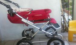 A true Bumbleride icon, Queen B is the classic pram reinvented. Equipped with front steerable wheels and four air-filled tires, Queen B strolls like a dream. Tailored in plush fabric, the seat of the Queen B can be reversed whenever you like to allow